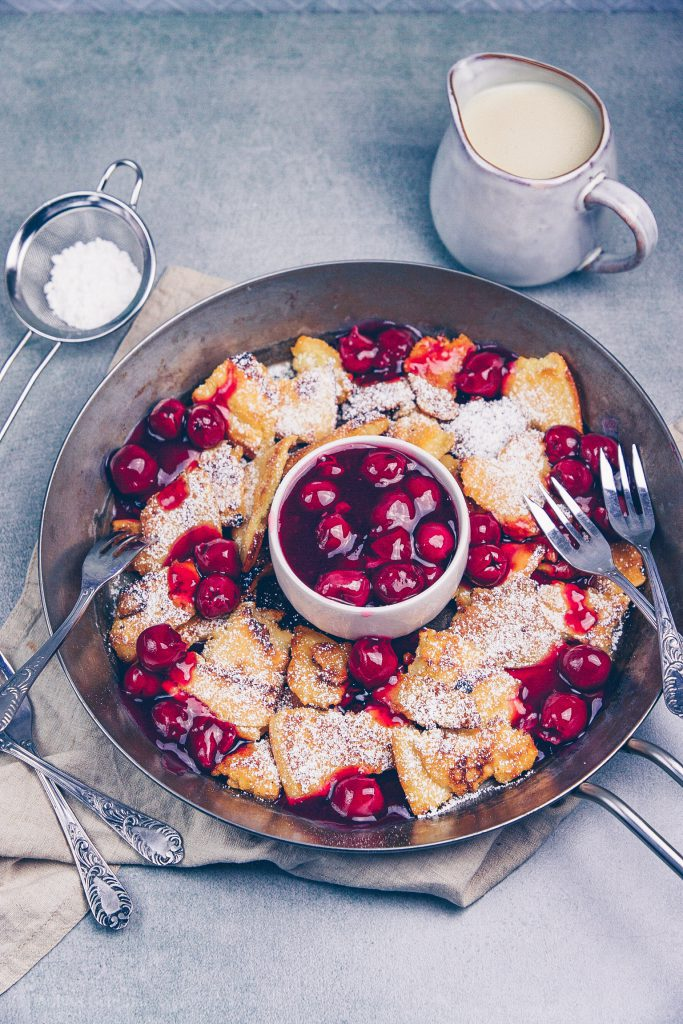 Kaiserschmarrn with hot cherries