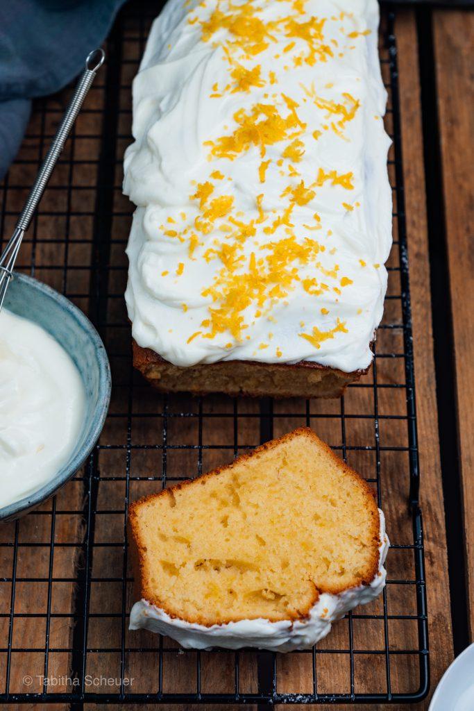 Lemon Drizzle Cake | Rezept für leckeren Zitronenkuchen mit Zitronenglasur und Sirup