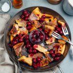 Unglaublich leckerer Kaiserschmarren mit heißen Kirschen | Rezept des Tages